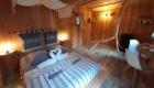 chambre-et-coin-repas-cabane-marmotte